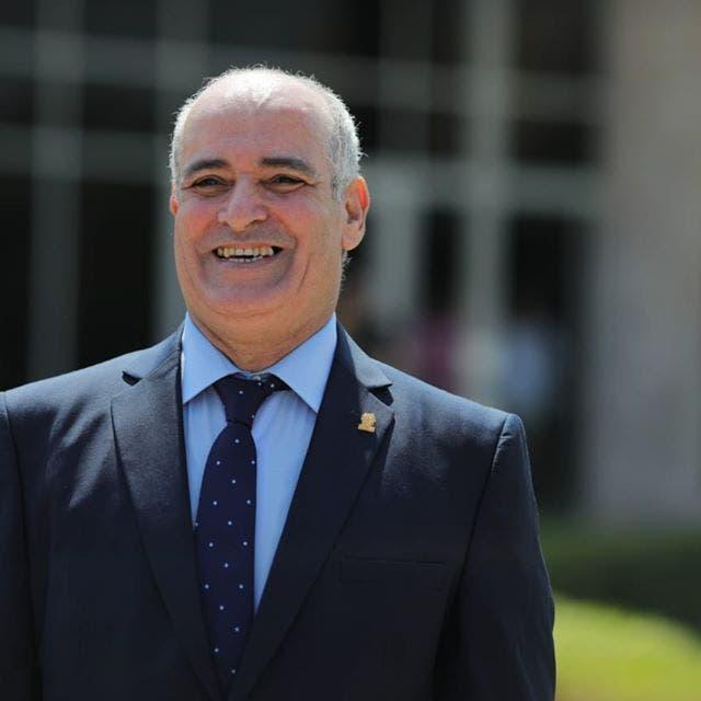 يواصل التنقل بين جامعات مصر.. كورونا يصيب رئيس جامعة