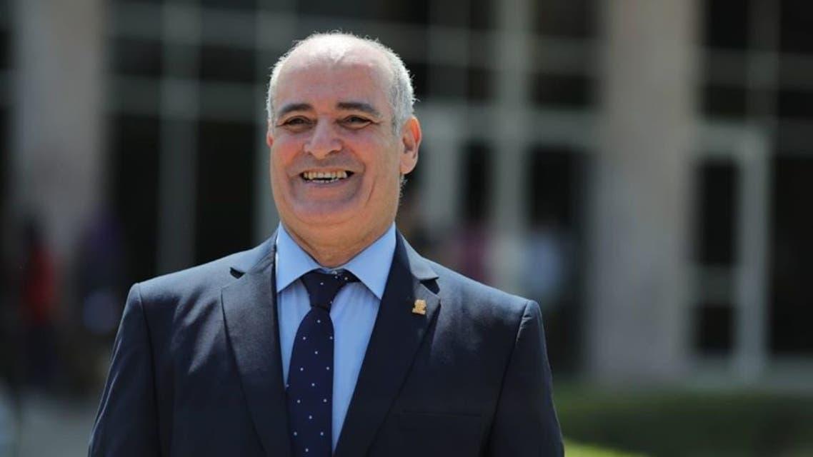 رئيس جامعة الفيوم (002)