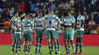 إصابة 8 لاعبين بفيروس كورونا في نادٍ مكسيكي