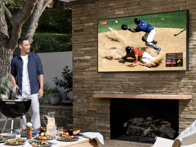 سامسونغ تطلق تلفازًا جديدًا للعمل خارج المنزل