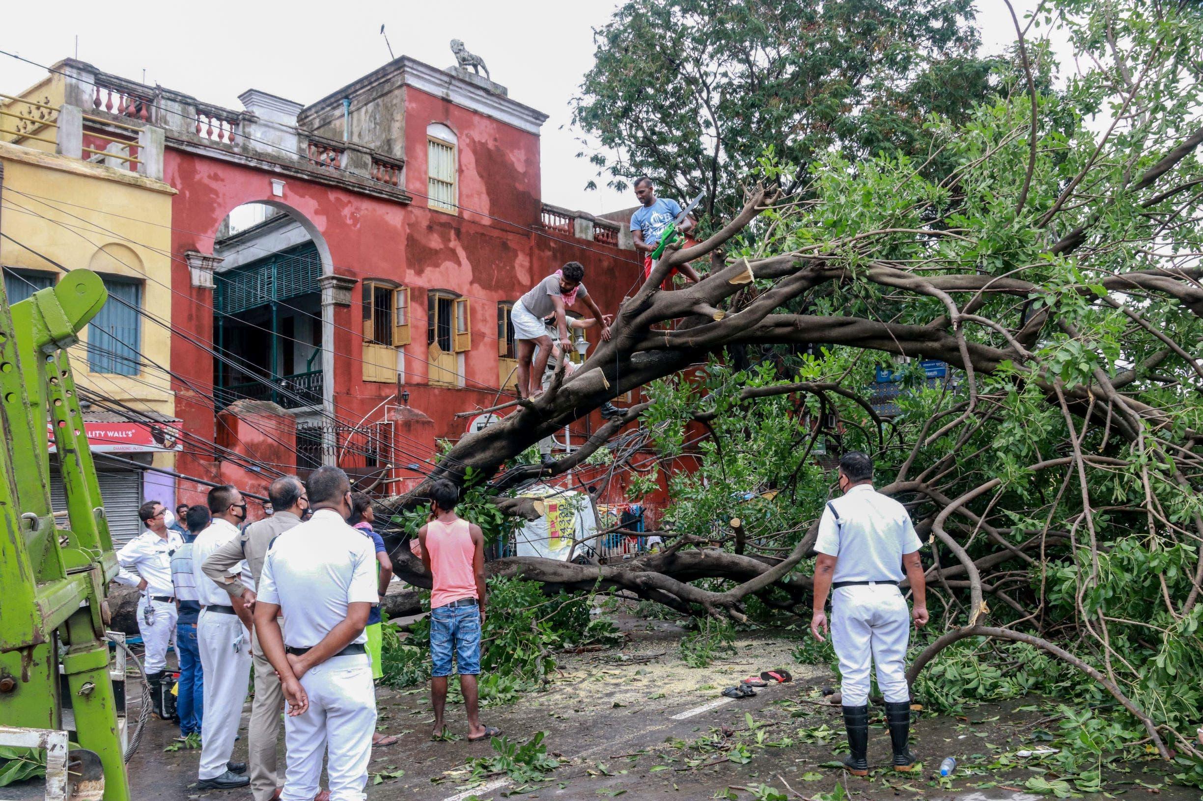 من إعصار الهند (فرانس برس)