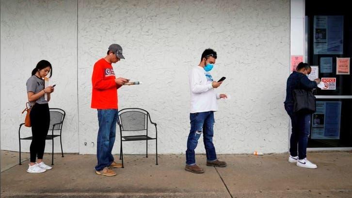 طلبات إعانة البطالة الأميركية تنخفض إلى أقل مستوى في 19 شهرا