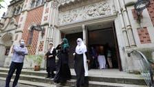 Coronavirus: Berlin church hosts Muslims for Friday prayers