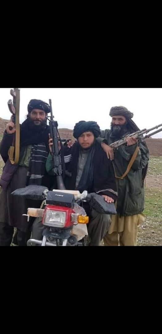 صور القائد الطالباني القادم من إيران