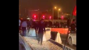 عمال أجانب يتظاهرون في قطر مطالبين بدفع أجورهم