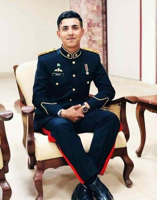 حمزة يوسف متخرج من العسكرية يعود لأول مرة لمنزله منذ تخرجه
