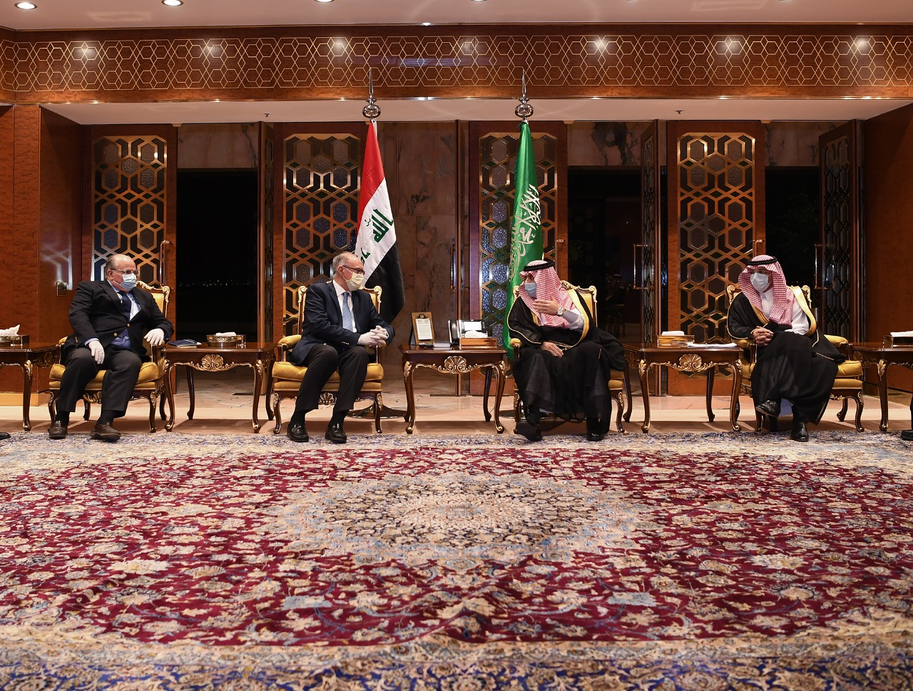 Iraqi delegates to Saudi Arabia meet at distance. (Twitter, SPAregions)
