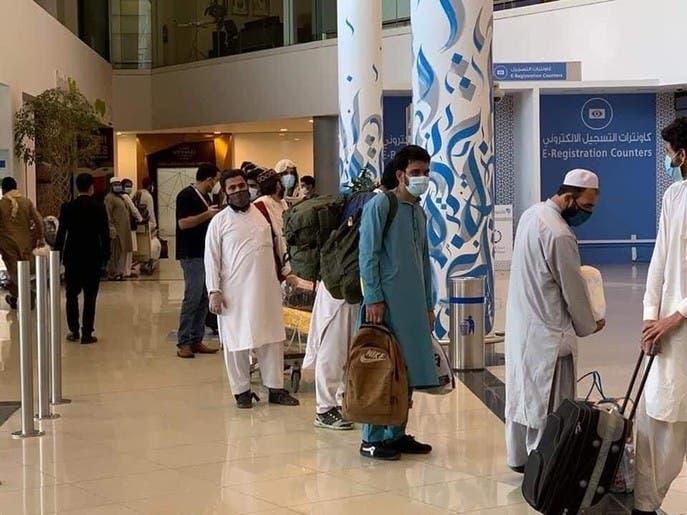 مهاجرین افغان؛ از به دریا انداخته شدن در ایران تا مهمان نوازی در امارات متحده عربی