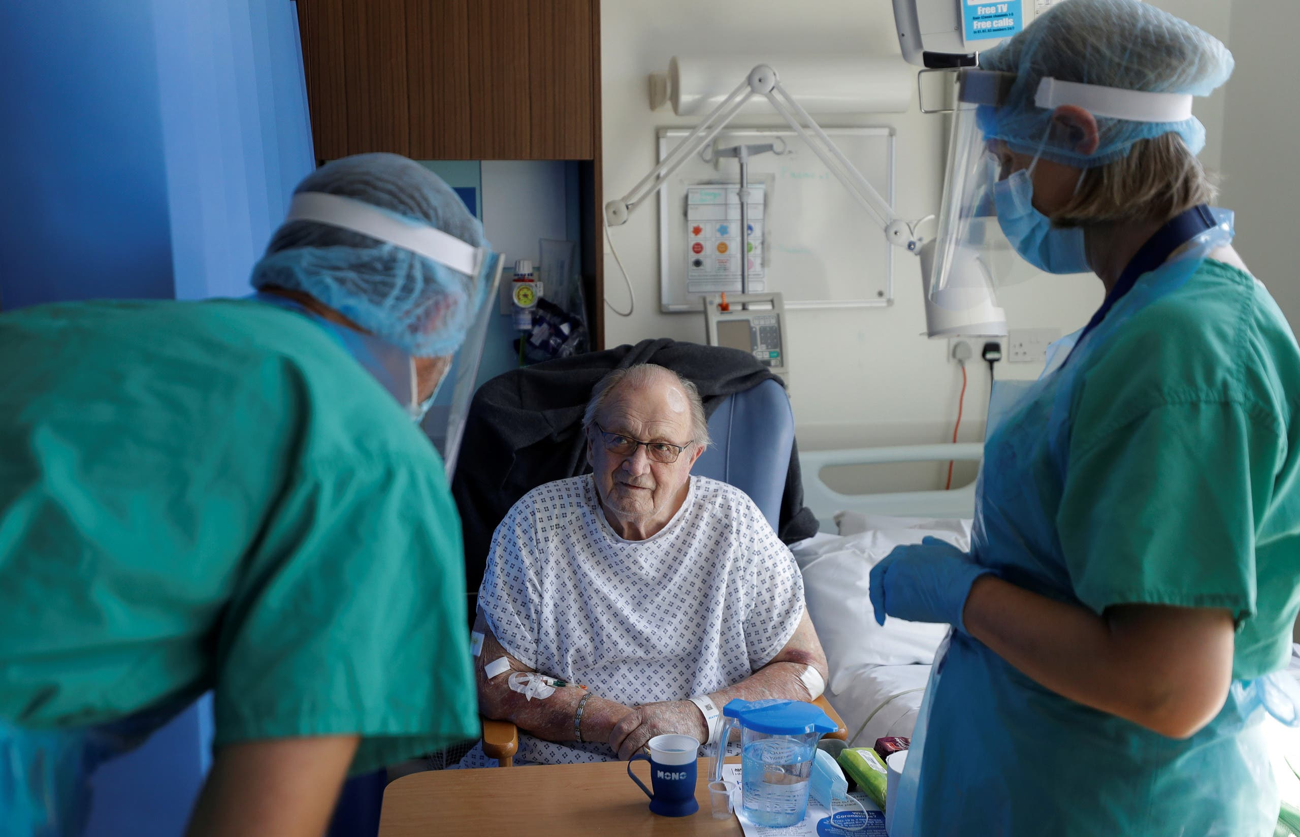 Coronavirus patient George Gilbert, 85 who is part of the TACTIC-R trial, is treated at Addenbrooke's hospital in Cambridge, Britain. (Reuters)