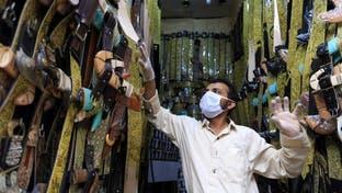 وسط التعتيم.. الوباء يفك بقياديي الحوثيين في صنعاء