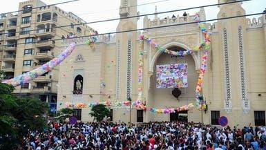"""شاهد.. """"إمام"""" يهرب منالشرطة في مصر لإقامته صلاة العيد"""