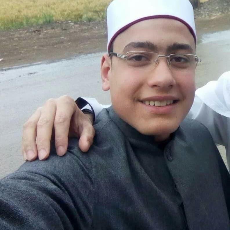 هذه اتهامات النيابة للإمام الهارب من الشرطة المصرية