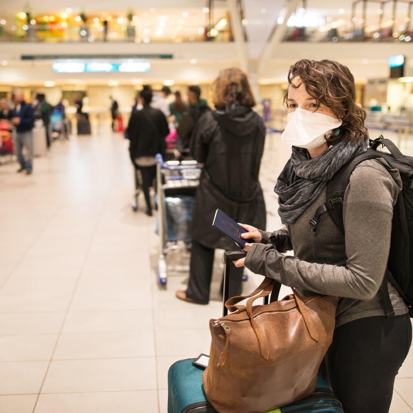 أوروبا تسجل قفزة بإصابات كورونا.. والصحة العالمية: الإغلاق آخر حل