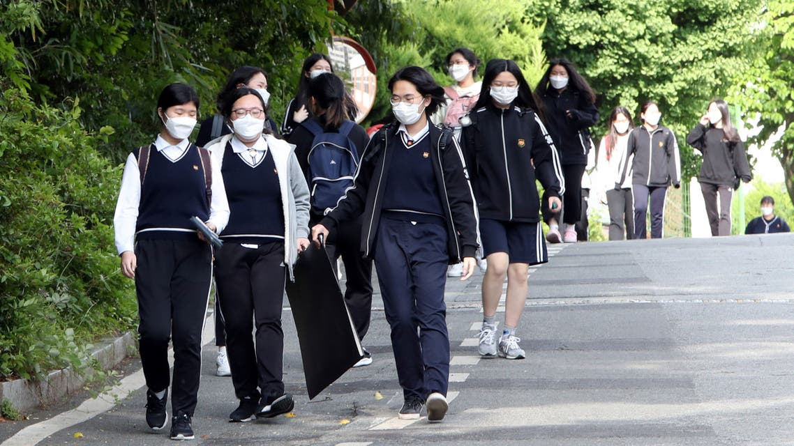 مدارس كوريا الجنوبية كورونا