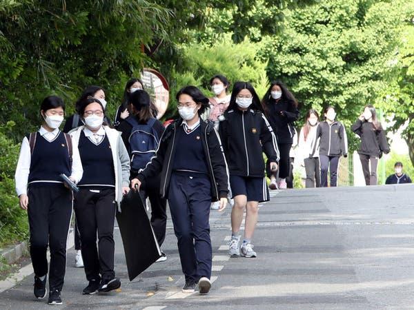 تلاميذ كوريا الجنوبية إلى المدارس رغم تسجيل 40 إصابة بكورونا