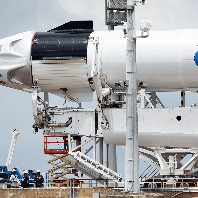 إرجاء إقلاع المهمة الفضائية الأميركية المأهولة بسبب رداءة الطقس