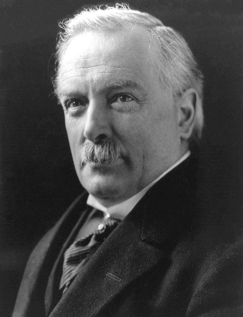 صورة لرئيس وزراء بريطانيا ديفيد لويد جورج
