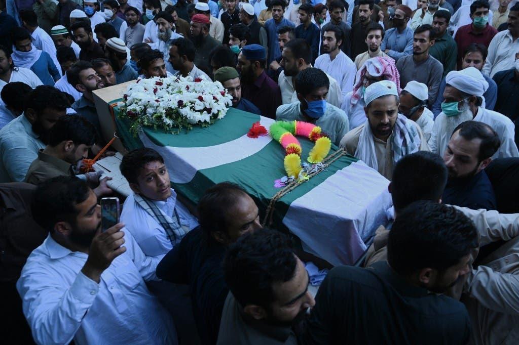 من ضحايا الطائرة الباكستانية - فرانس برس