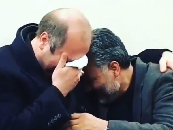 فيديو لقاسم سليماني يبكي بمرارة في أحضان قاليباف