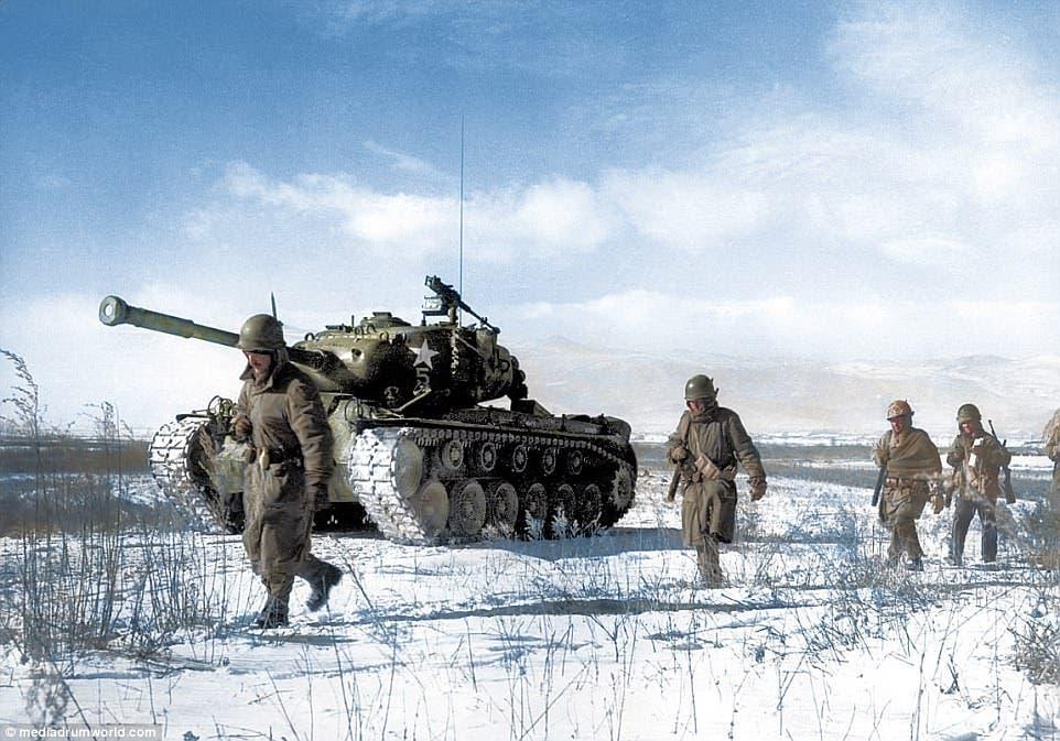 صورة ملونة لجنود أميركيين بالحرب الكورية
