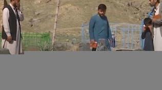 عائلات أفغانية دفنها كورونا