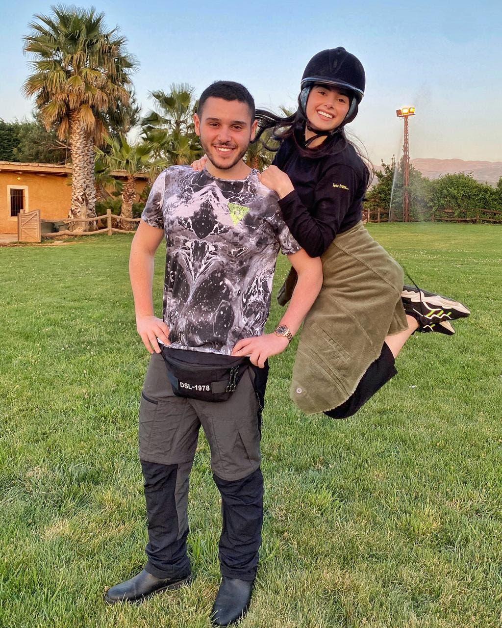 ماريتا الحلاني مع شقيقها