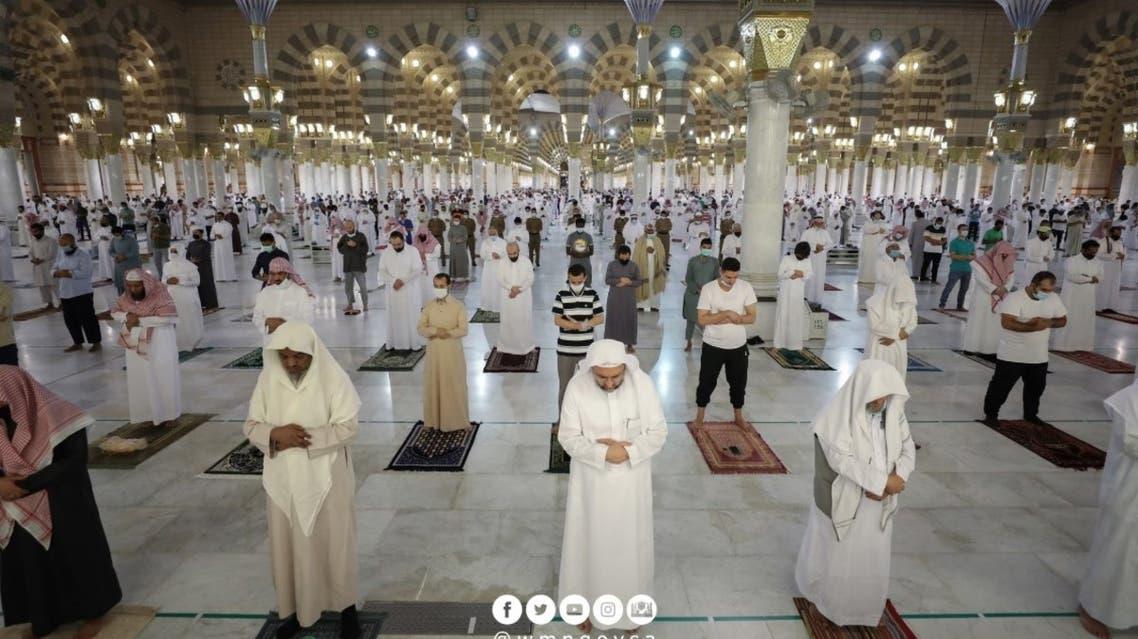 Hundreds offer Fajr prayers in the Prophet's Mosque in Medina. (Twitter)