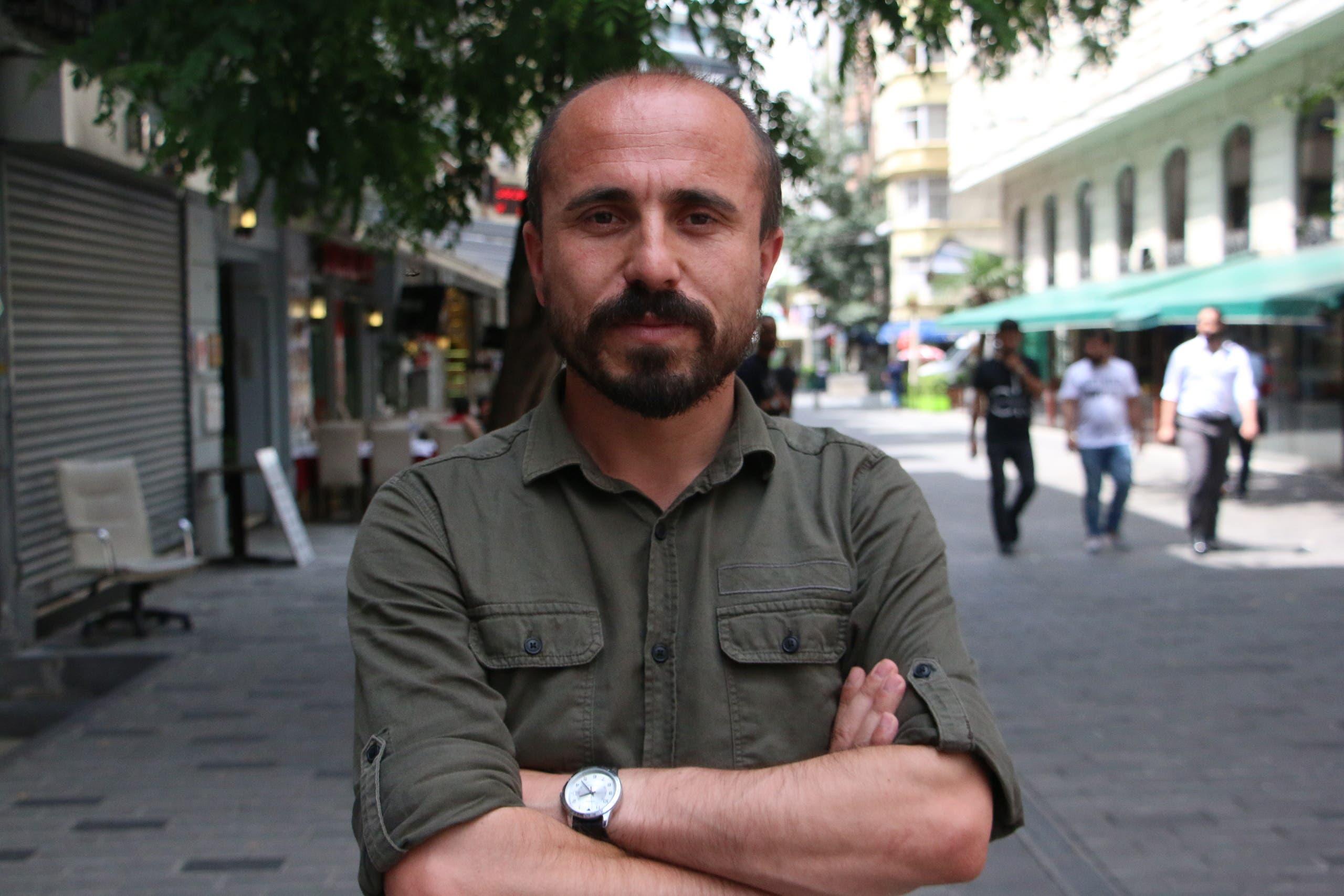 الصحافي التركي سزكين قرطال