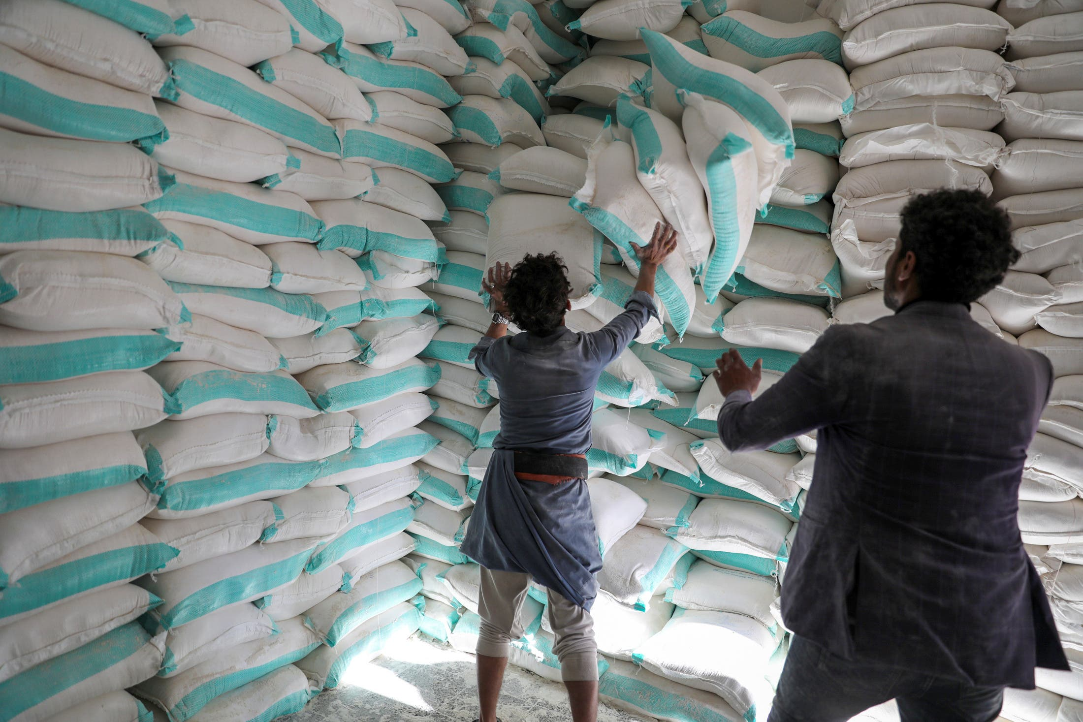 مخزن مساعدات غذائية لبرنامنج الأغذية العالمي في صنعاء (أرشيفية)