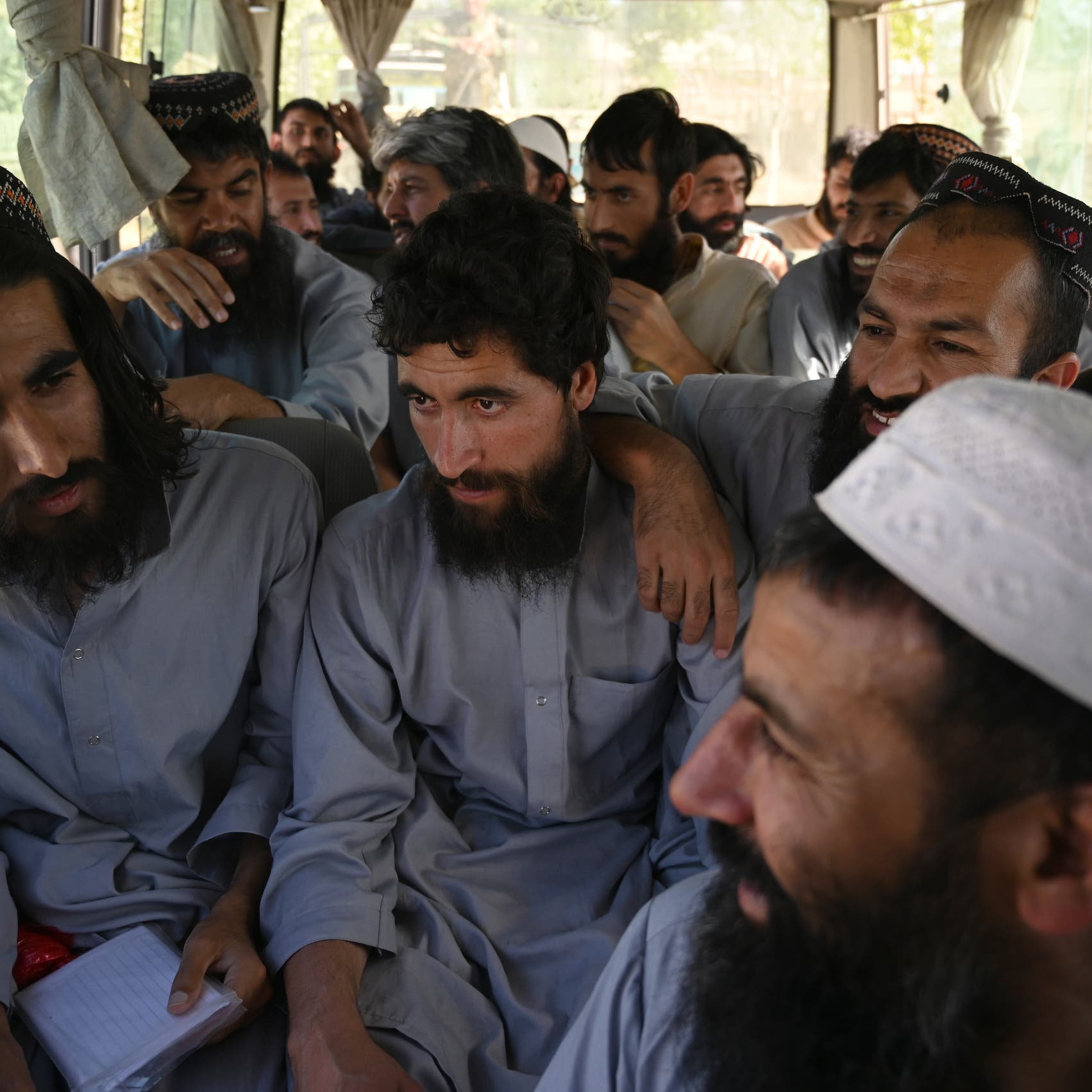 بعد غارات على طالبان.. مساعٍ أميركية لإنقاذ اتفاق أفغانستان