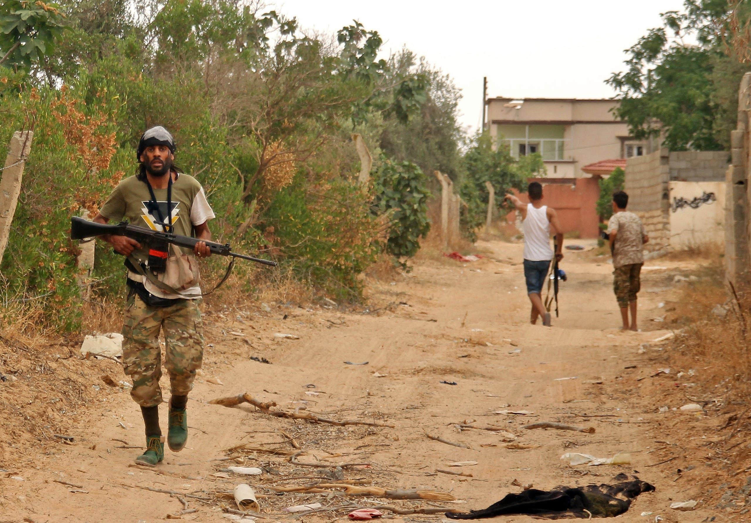 عناصر من الميليشيات في طرابلس الليبية(أرشيفية- فرانس برس)