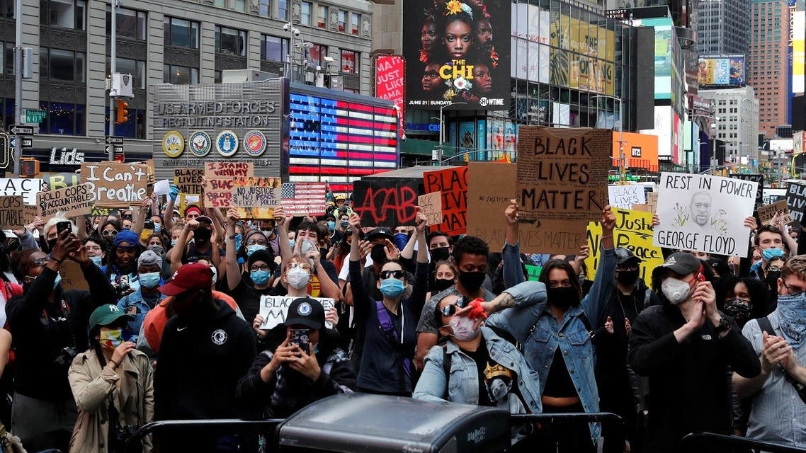 2020-06-01T202534Z_965681958_RC2K0H96JOTY_RTRMADP_3_MINNEAPOLIS-POLICE-PROTESTS-NEW-YORK