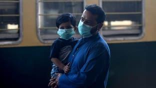 عمران خان للباكستانيين: تعايشوا مع الوباء