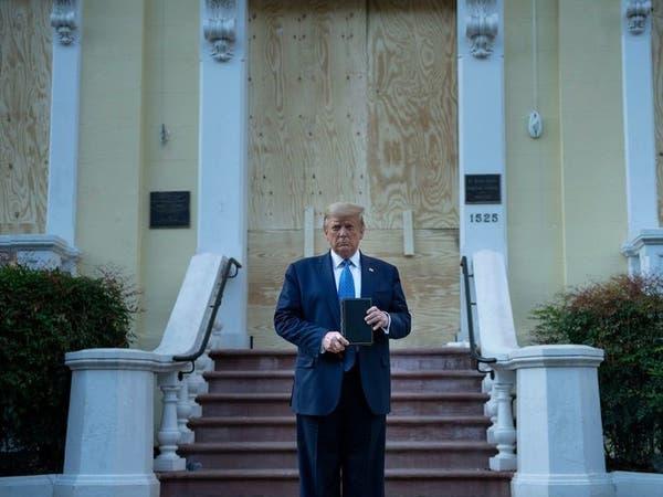 ترمب يزوركنيسة مجاورة للبيت الأبيض طالتها أعمال تخريب