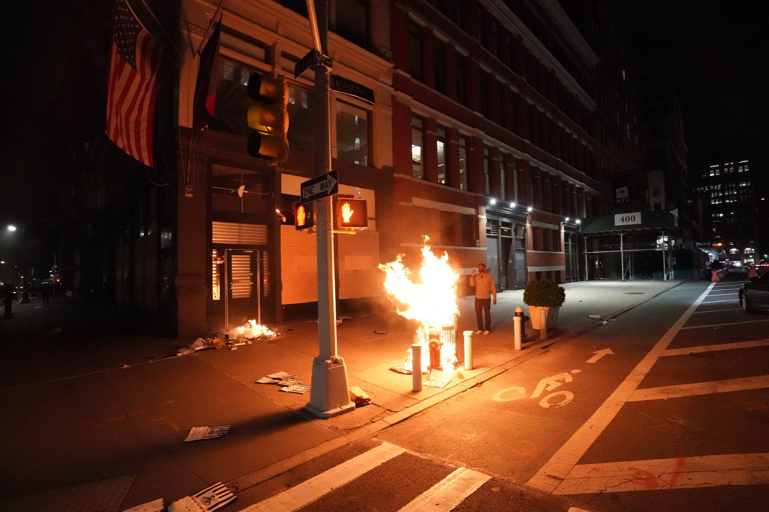 حرق وشغب في أميركا(فرانس برس)