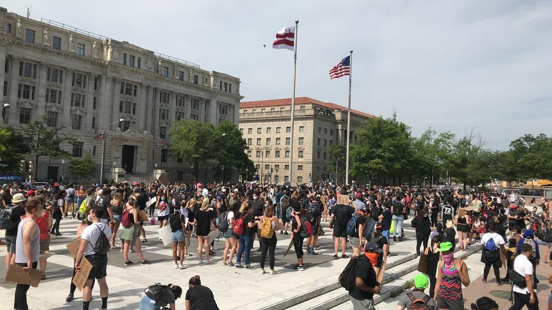 صور التجمع من امام مبنى بلدية واشنطن