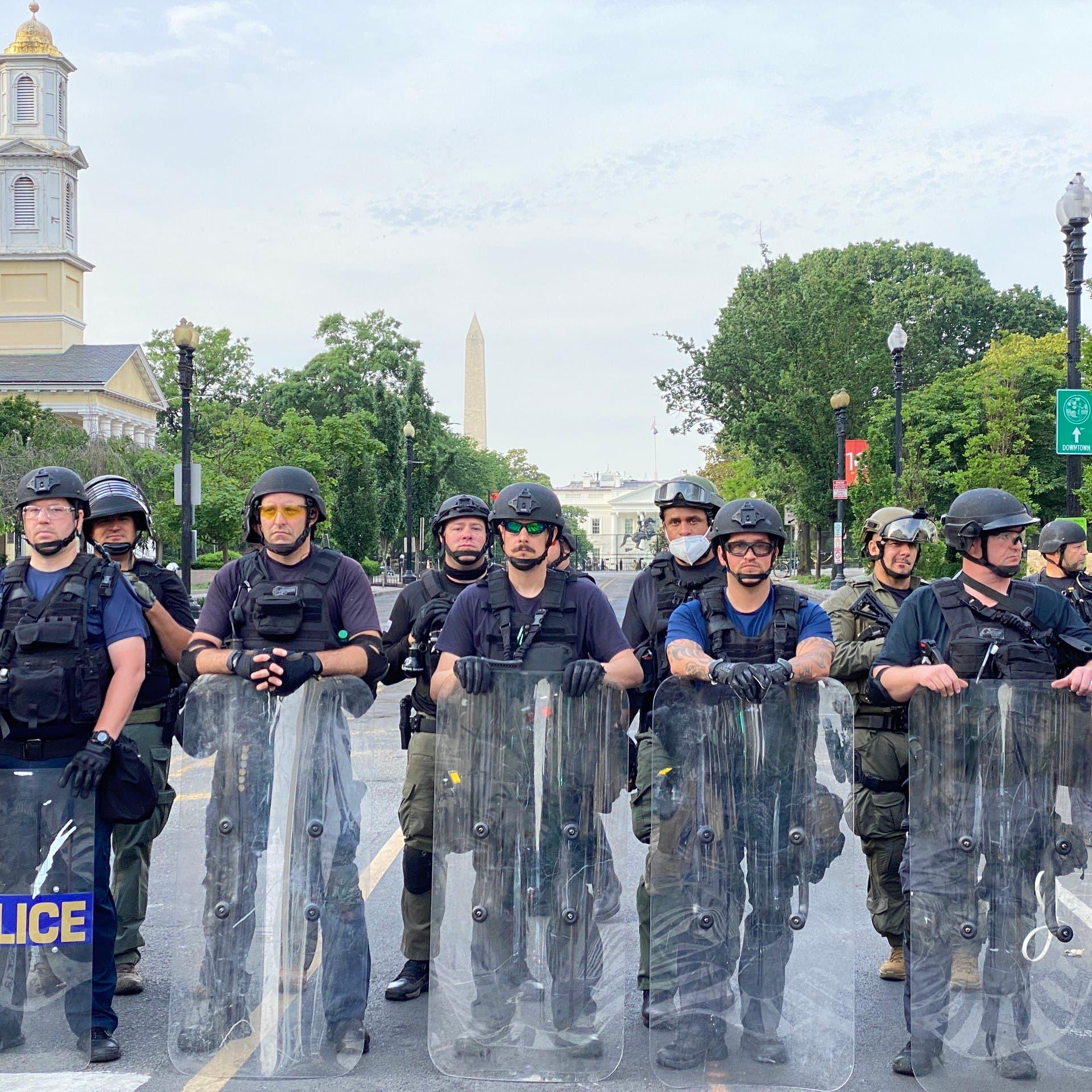 """ترمب عن الديمقراطيين والشرطة.. """"إنه الجنون بعينه"""""""