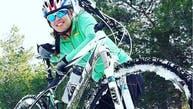 زن دوچرخهسوار ایرانی بر اثر تصادف در بزرگراه جان باخت