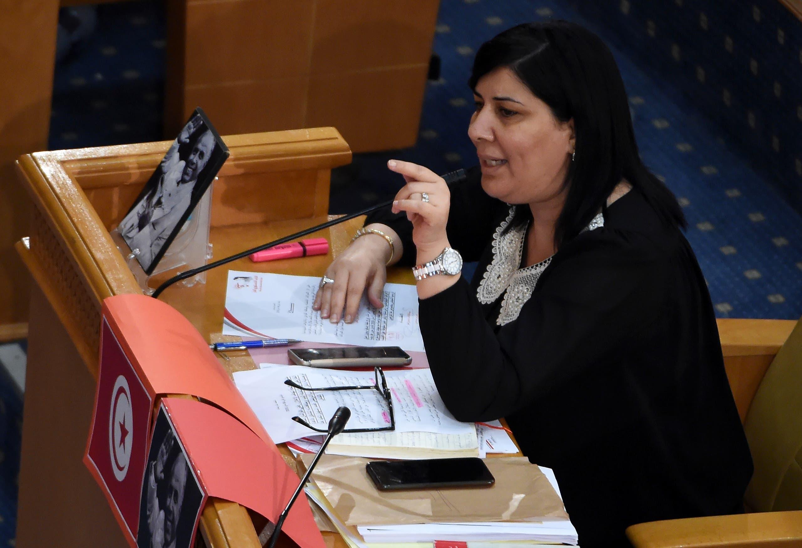 """رئيسة """"كتلة الدستوري الحر"""" عبير موسي في البرلمان"""