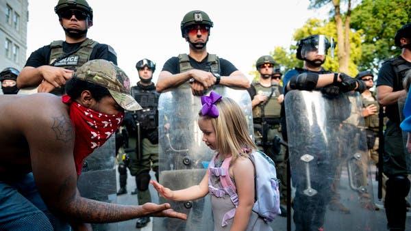 بعد توجيه تهم جديدة للشرطة.. تراجع العنف باحتجاجات أميركا