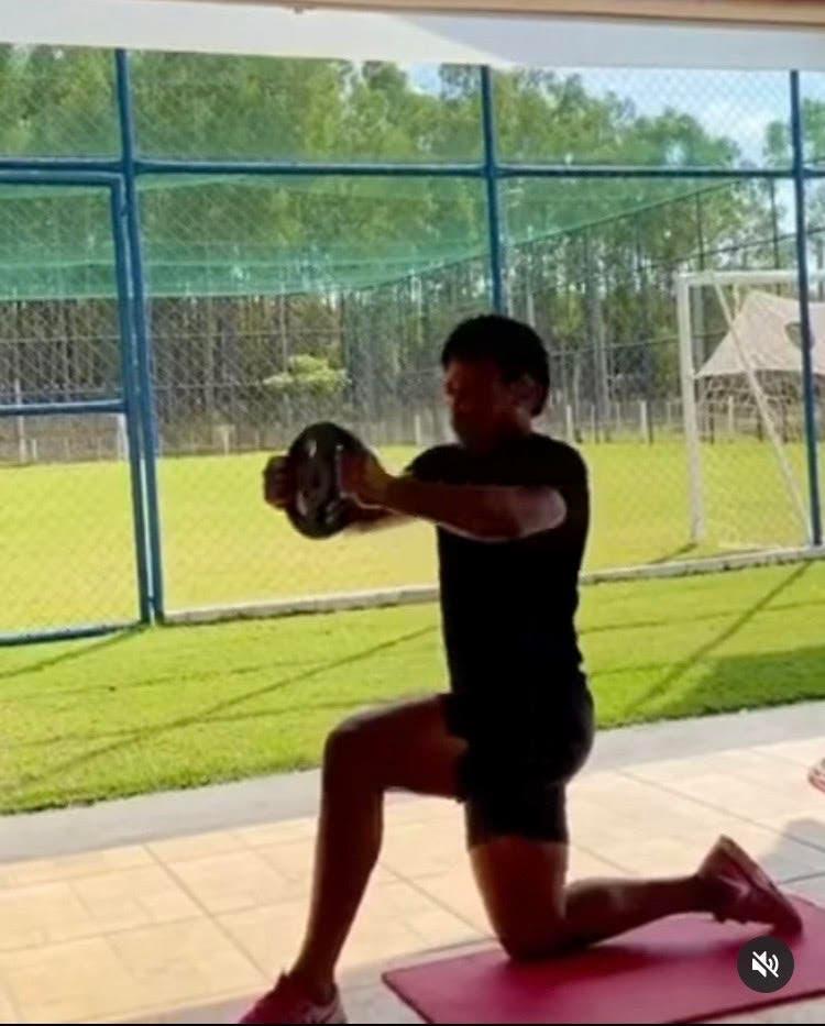 فيديو نشره رومارينيو على حسابه في إنستغرام خلال فترة العزل المنزلي
