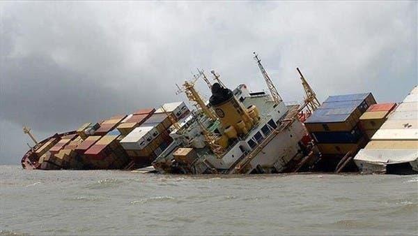 غرق باخرة إيرانية قبالة سواحل العراق.. والبحث جارٍ عن ناجين