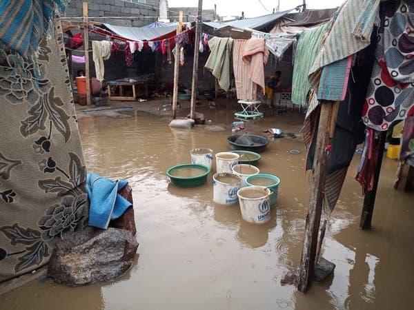 اليمن.. تضرر 1024 أسرة نازحة جراء الأمطار في عدن