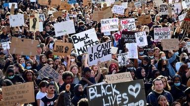 """الآلاف يتظاهرون.. """"لا أستطيع التنفس"""" تحط رحالها بأستراليا"""