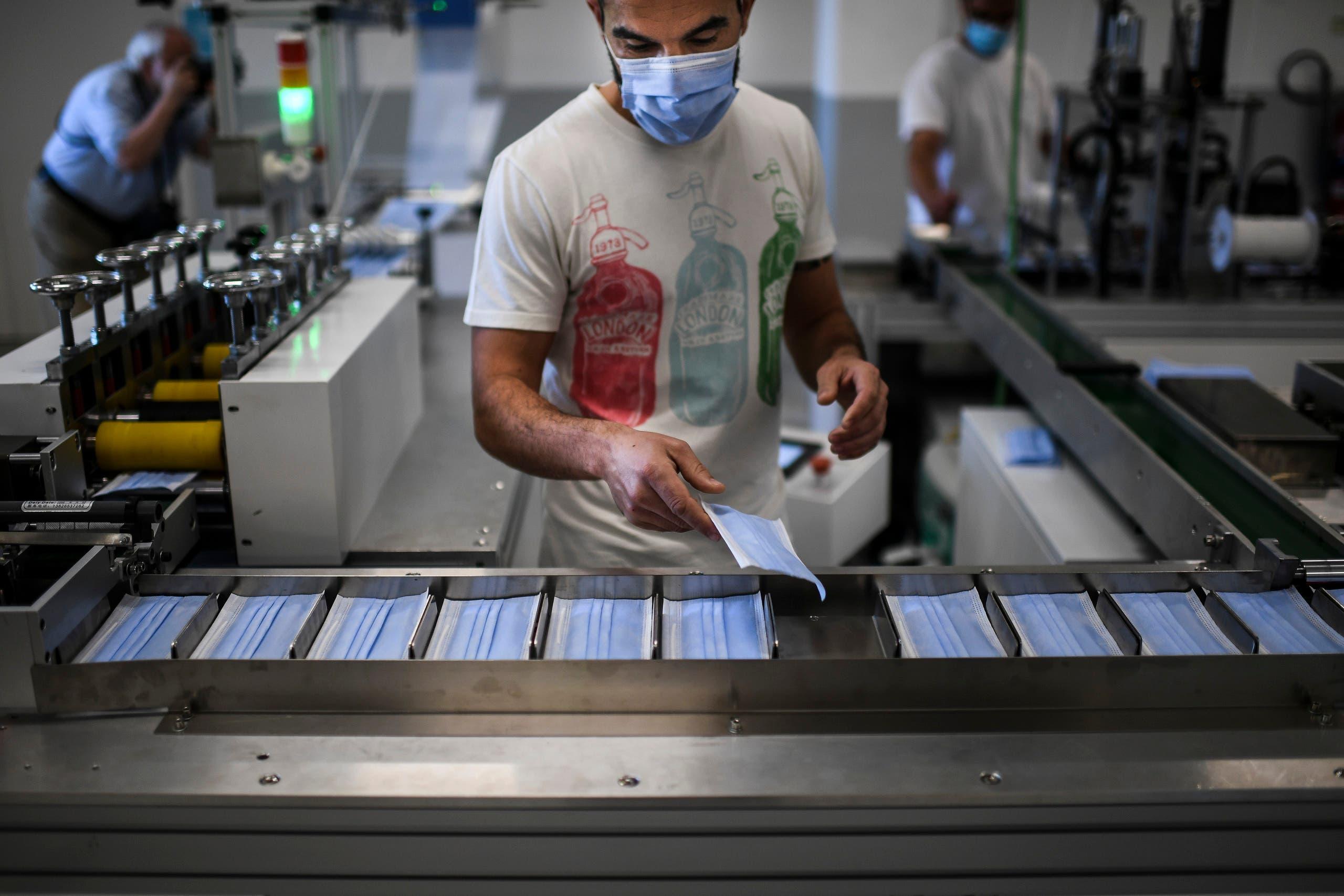 تصنيع الكمامات في منتجع كاسكايس