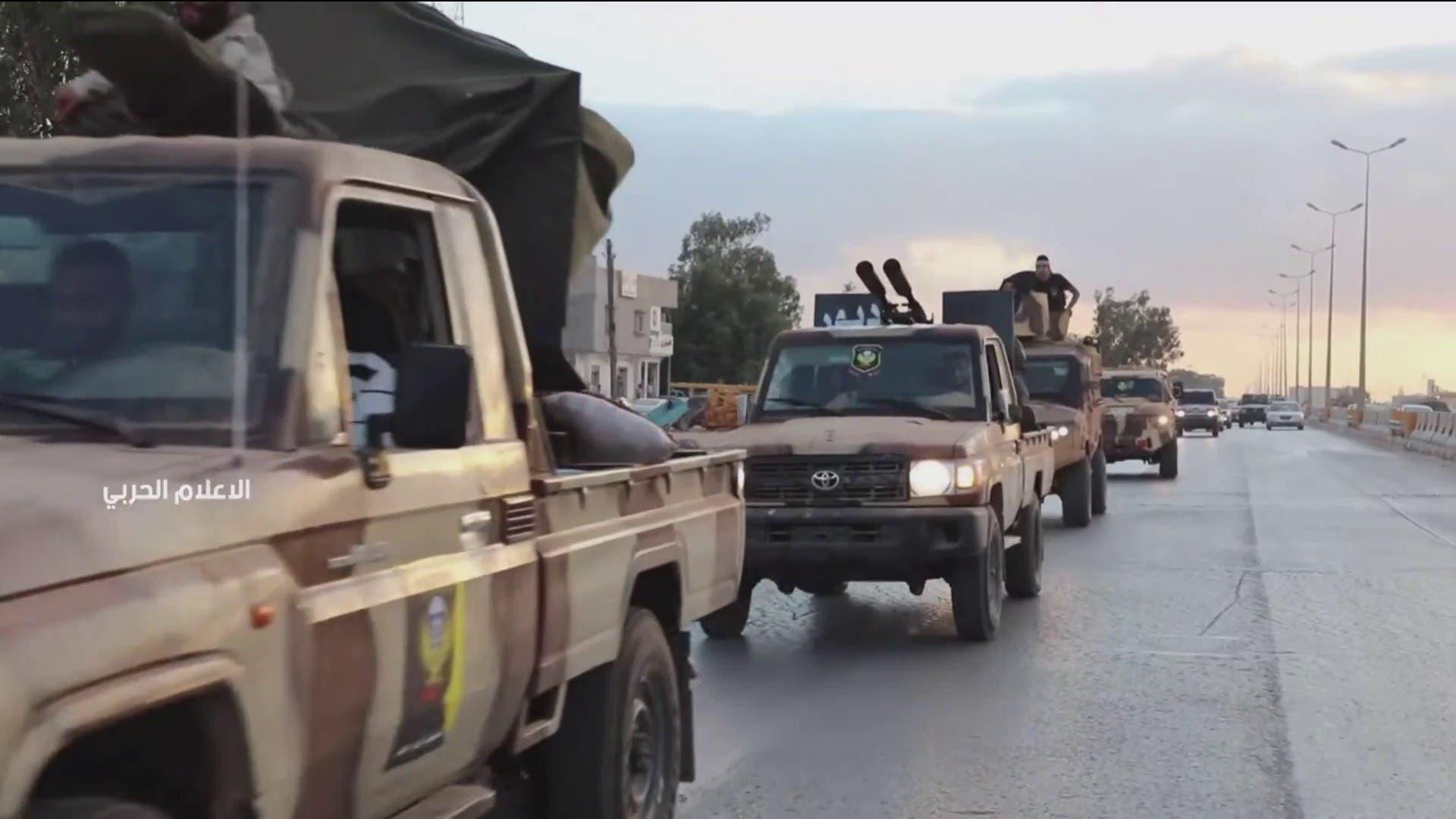 الجيش الليبي ينشر صوراً لتعزيزات دفع بها من بنغازي