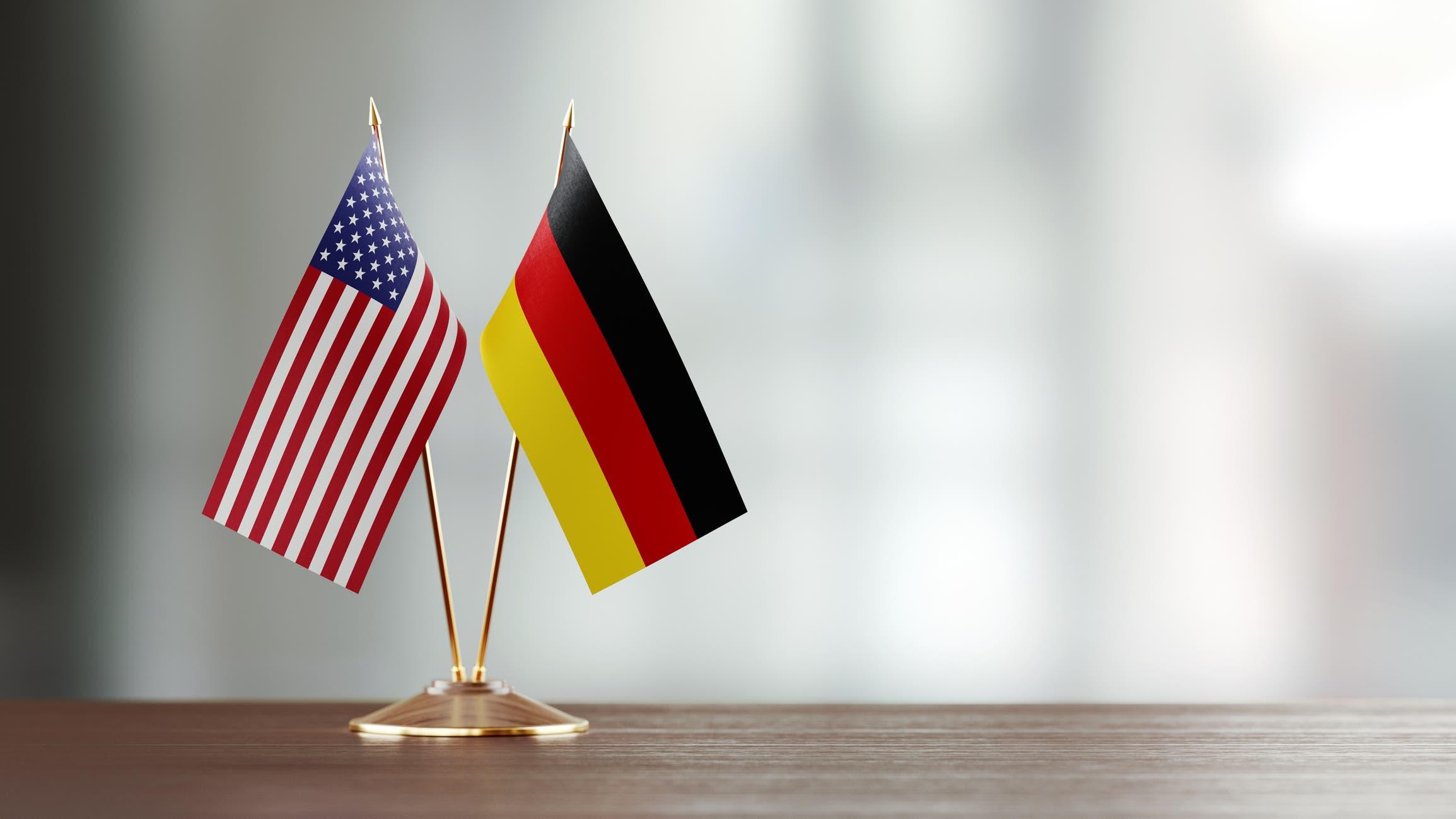 العلم الألماني والأميركي - تعبيرية