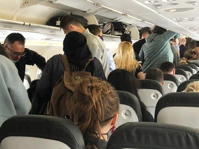 احذروا هذه الهفوة تسببت في انتقال كورونا داخل الطائرات!