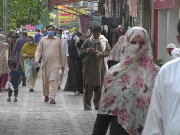 """إصابات """"كورونية"""" قياسية بالهند وباكستان.. واستبعاد للحظر"""