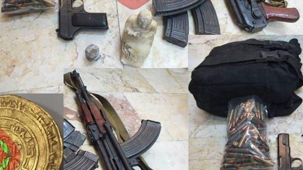 بقوة السلاح.. آثار سورية للبيع في شوارع اللاذقية
